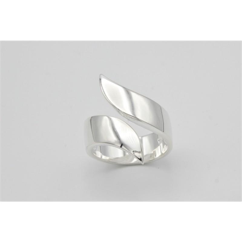 Silver swirl, ring