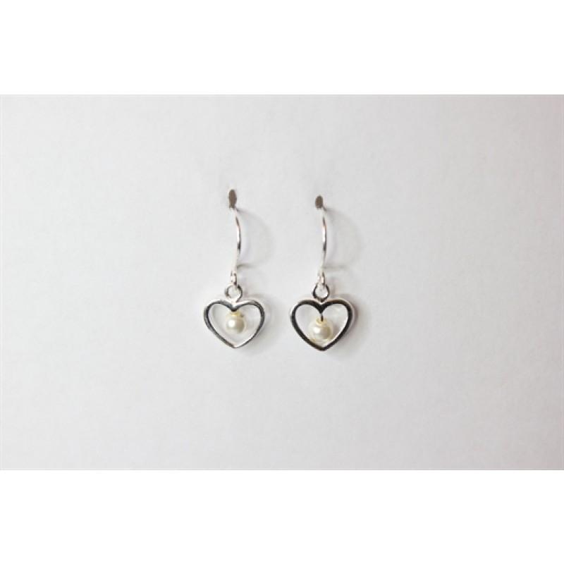 Ørehængere med hjerte i sølv, samt perle