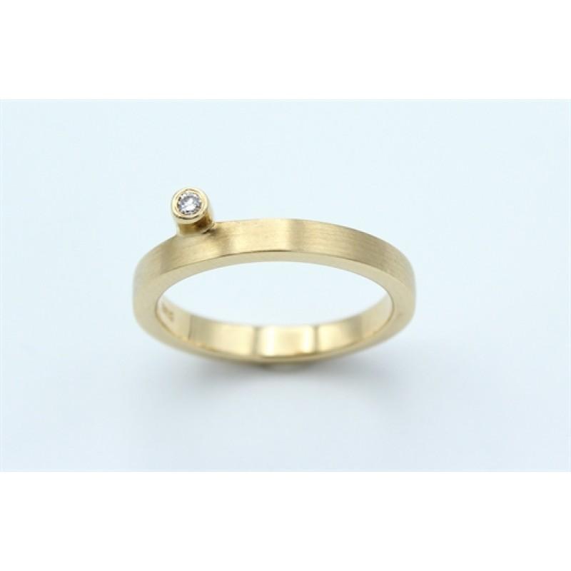 Classic Diamond 14 kt ring