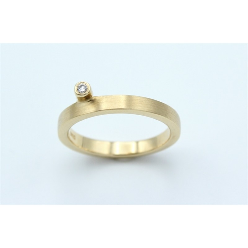 Classic Diamond 14 kt ring