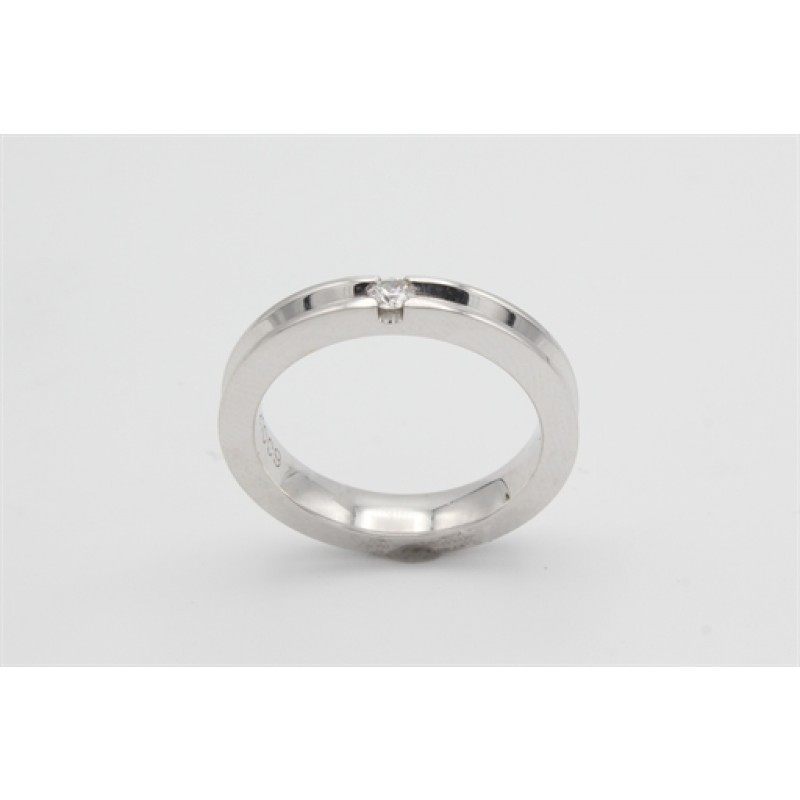 14 kt Hvidguld ring med 0,09 ct brillant, kanter