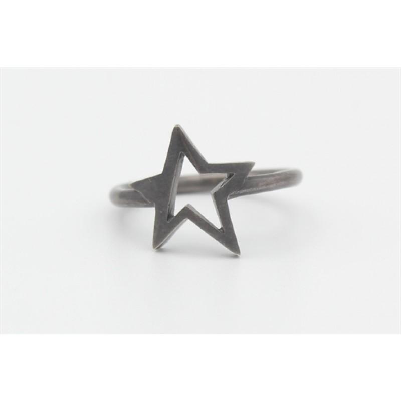 Sort rhodineret ring med stjerne