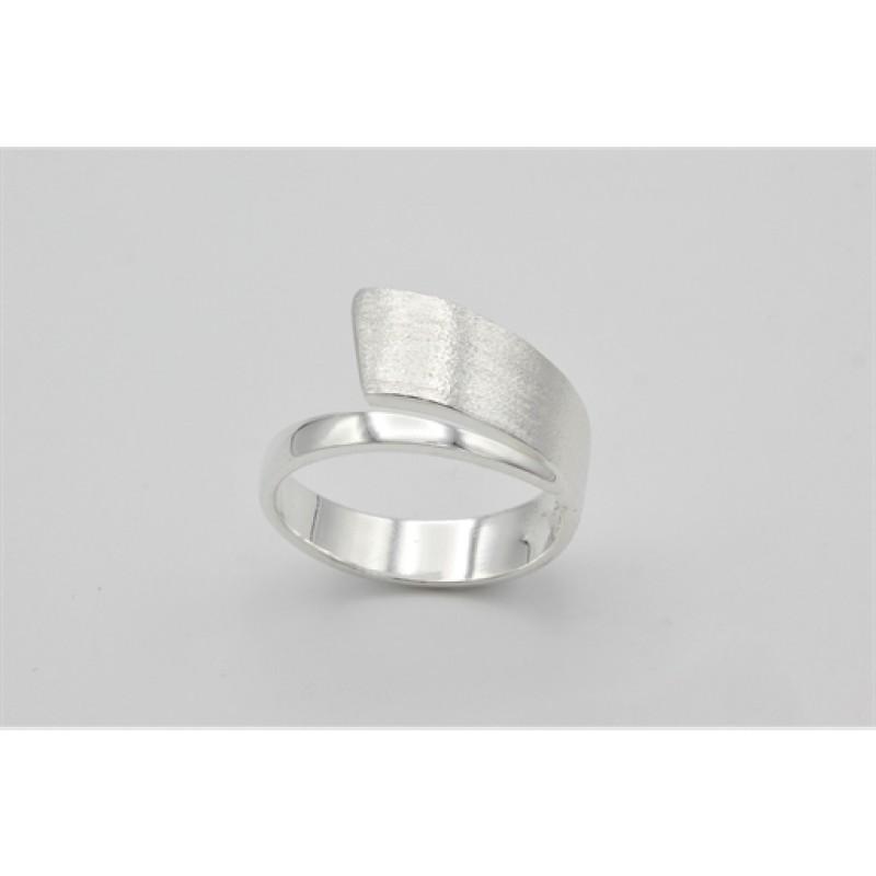 Silver modern swirl, ring