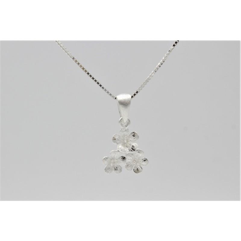 Sølv halskæde, 3 blomster
