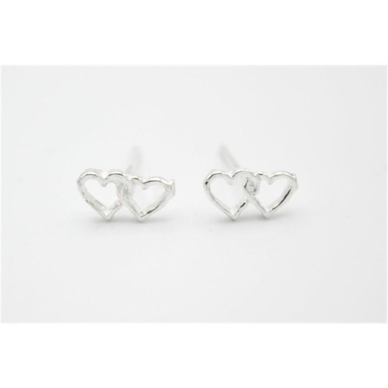 To hjerter, sølv ørestikker