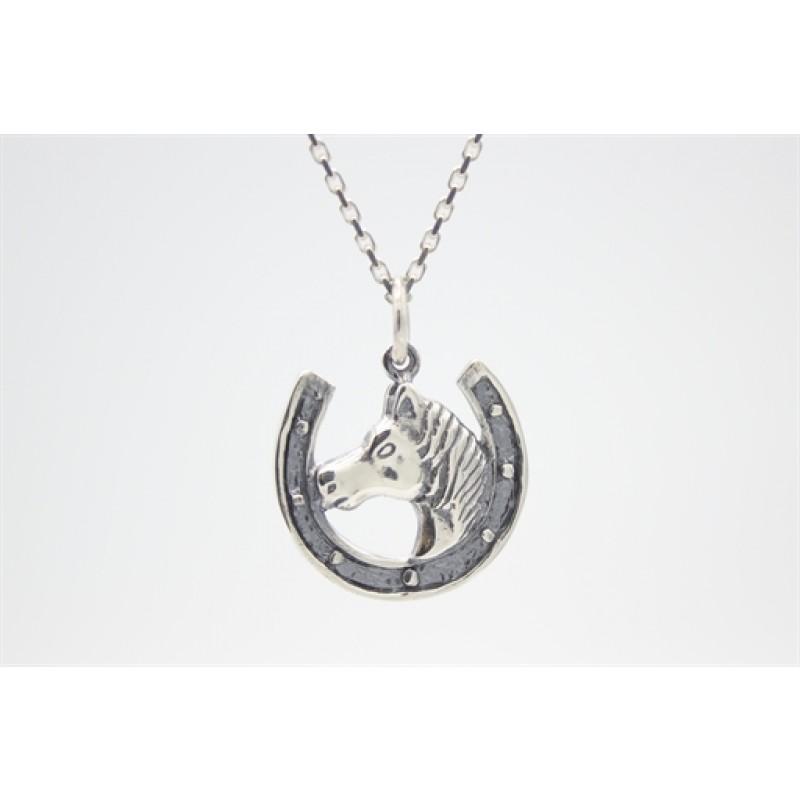 Hestesko med hest, vedhæng i sølv