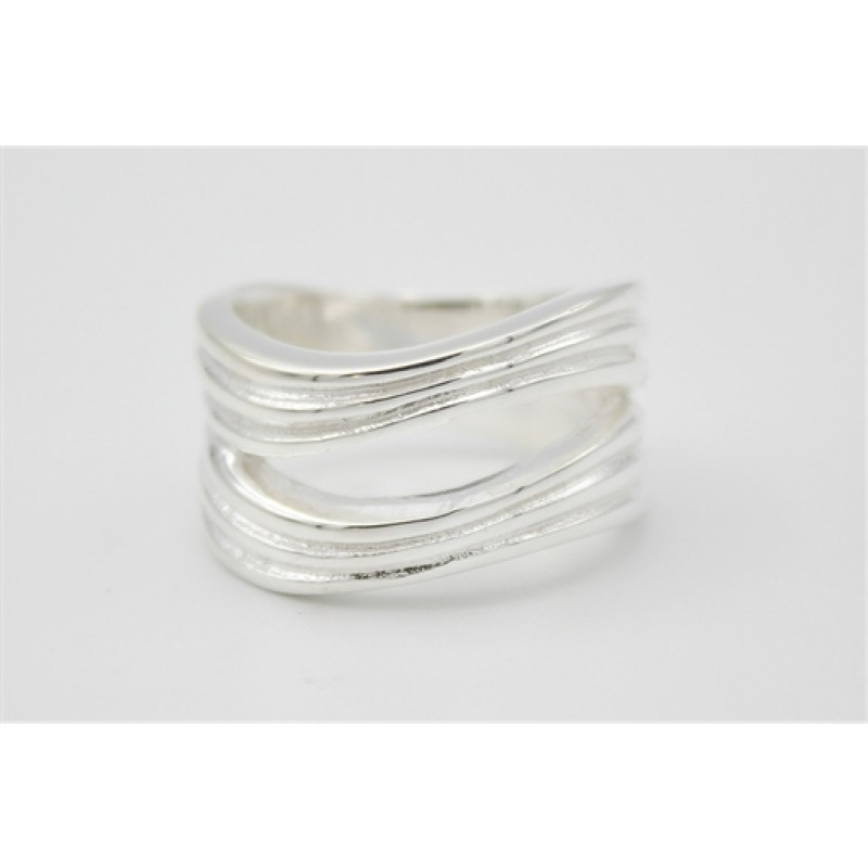 Bred sølv ring, rillet