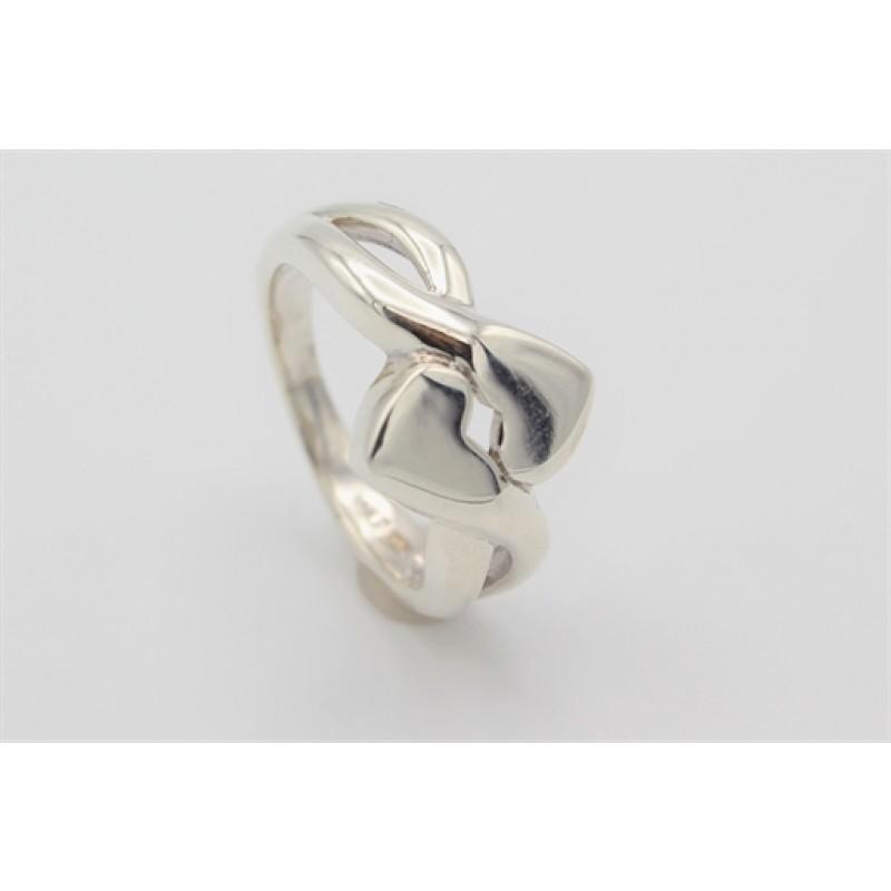 Bred sølv ring med to hjerter