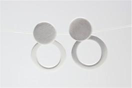 Sølv ørehængere med matteret cirkler-20