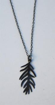 sort rhodineret halskæde med blad-20