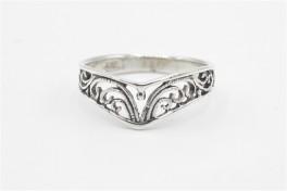 Sølv ring, V med mønster-20